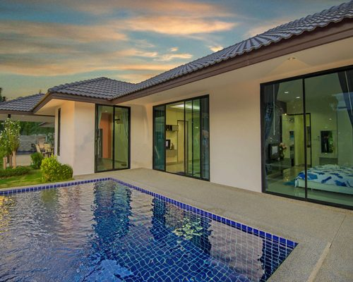Mil Pool Villas